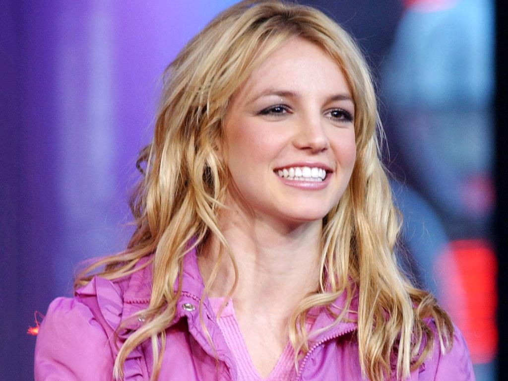 Britney Spears Claims The Paparazzi Altered Her Pictures To Make Her Look Bad