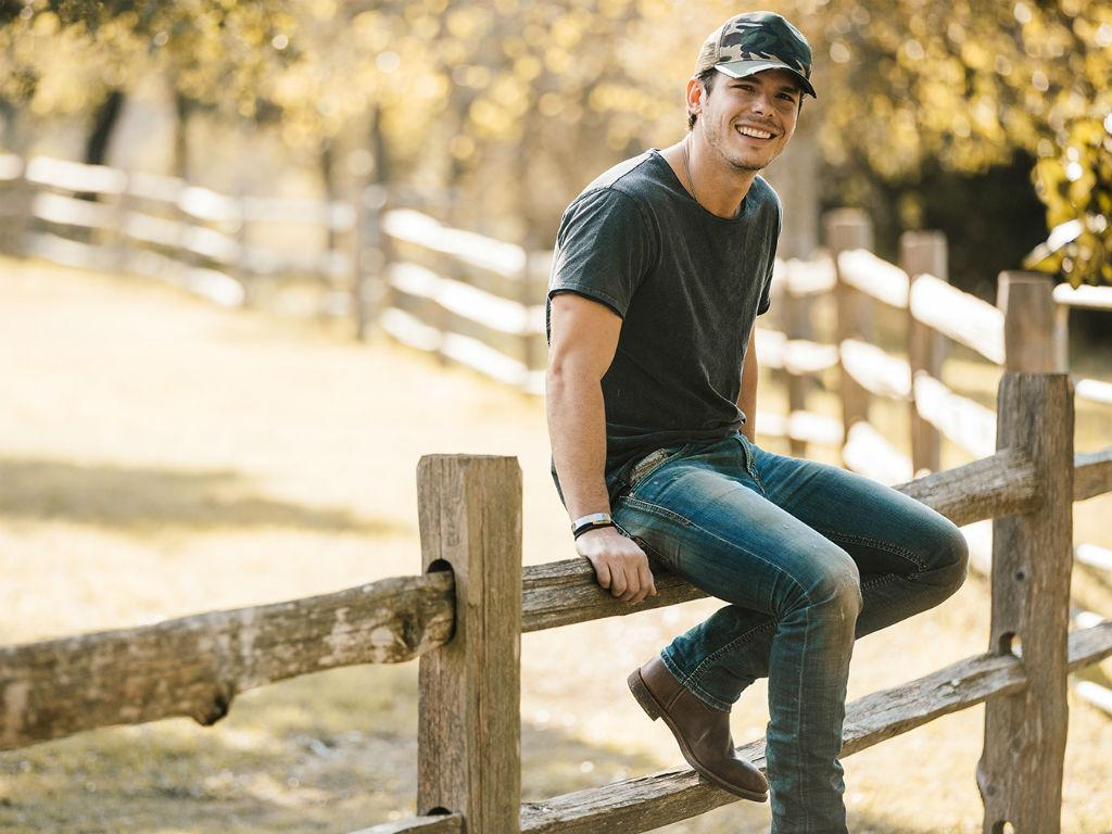 Country Singer Granger Smith Reveals His Toddler Son Has Died After 'Tragic Accident'