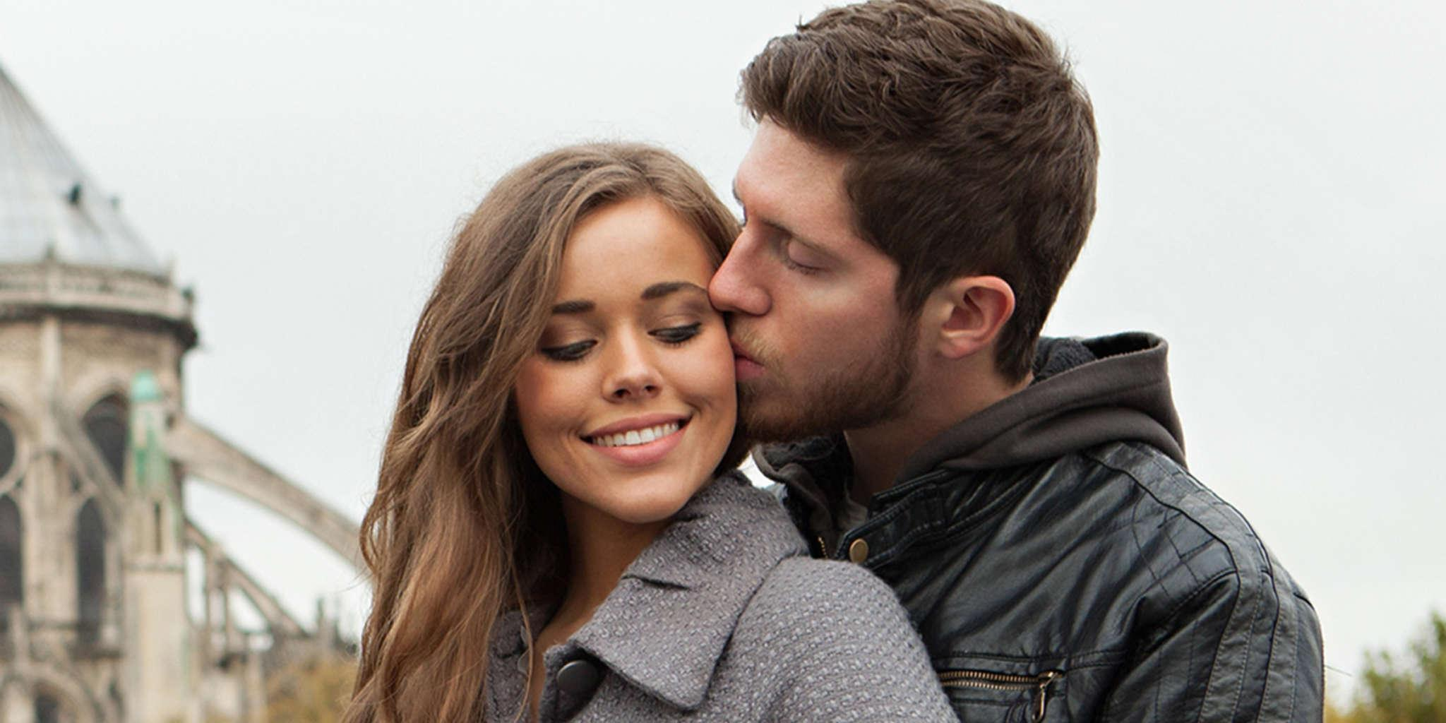 Jessa Duggar Gives Birth On Her Couch And Gets Rushed To The Hospital After Complications