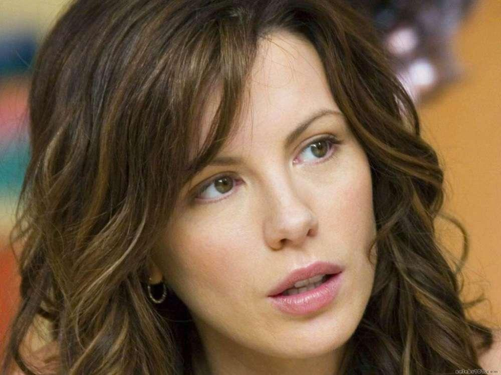 Kate Beckinsale's Daughter Calls Her Mom A 'Lunatic' After Kate Gets Paranoid Regarding Cocaine Use Rumors