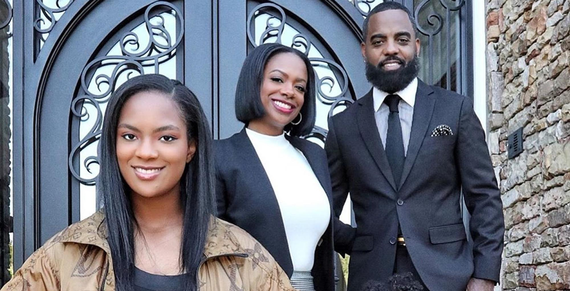 Kandi Burruss And Todd Tucker Share Picture From Their Family Trip With Their Beautiful Daughters Wearing Identical Outfits