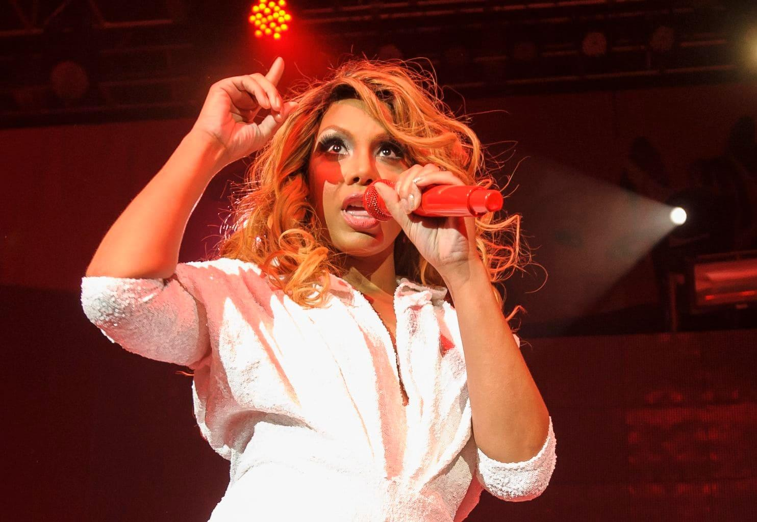 Tamar Braxton Wins The 'Reality Royalty' Award - Fans Are Happy But Ask Her To Be Nicer To David Adefeso And Stop Humiliating Him