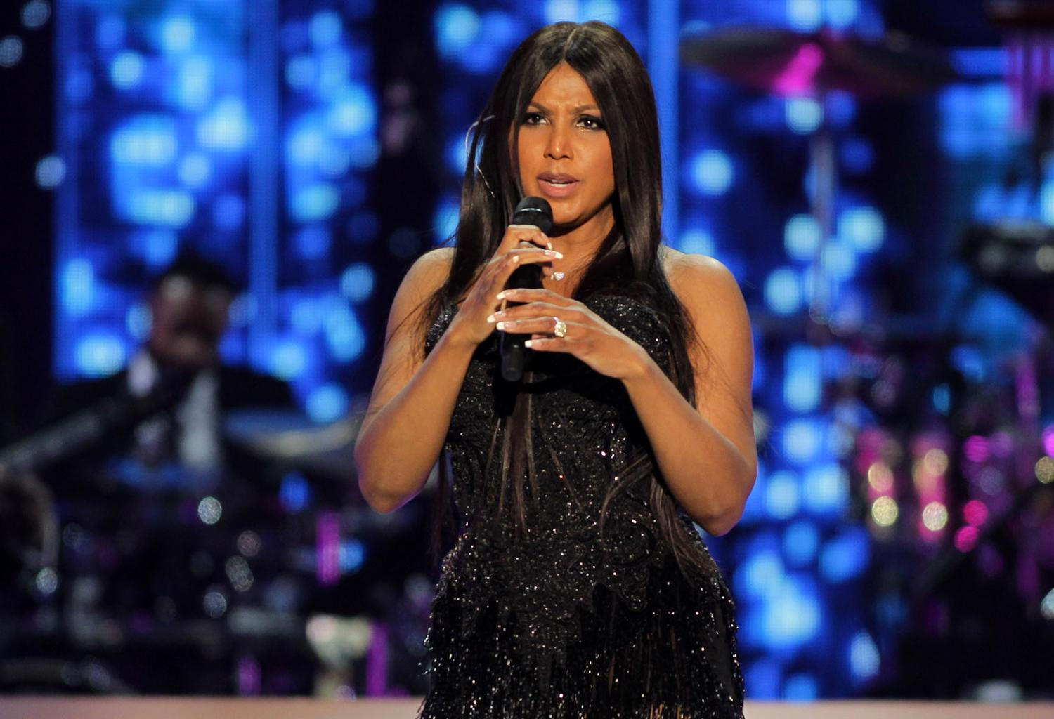 Toni Braxton Shares A Photo From Her Recent Pittsburgh Pride Performance But Fans Cannot Get Over The Latest Episode Of The Braxton Family Values