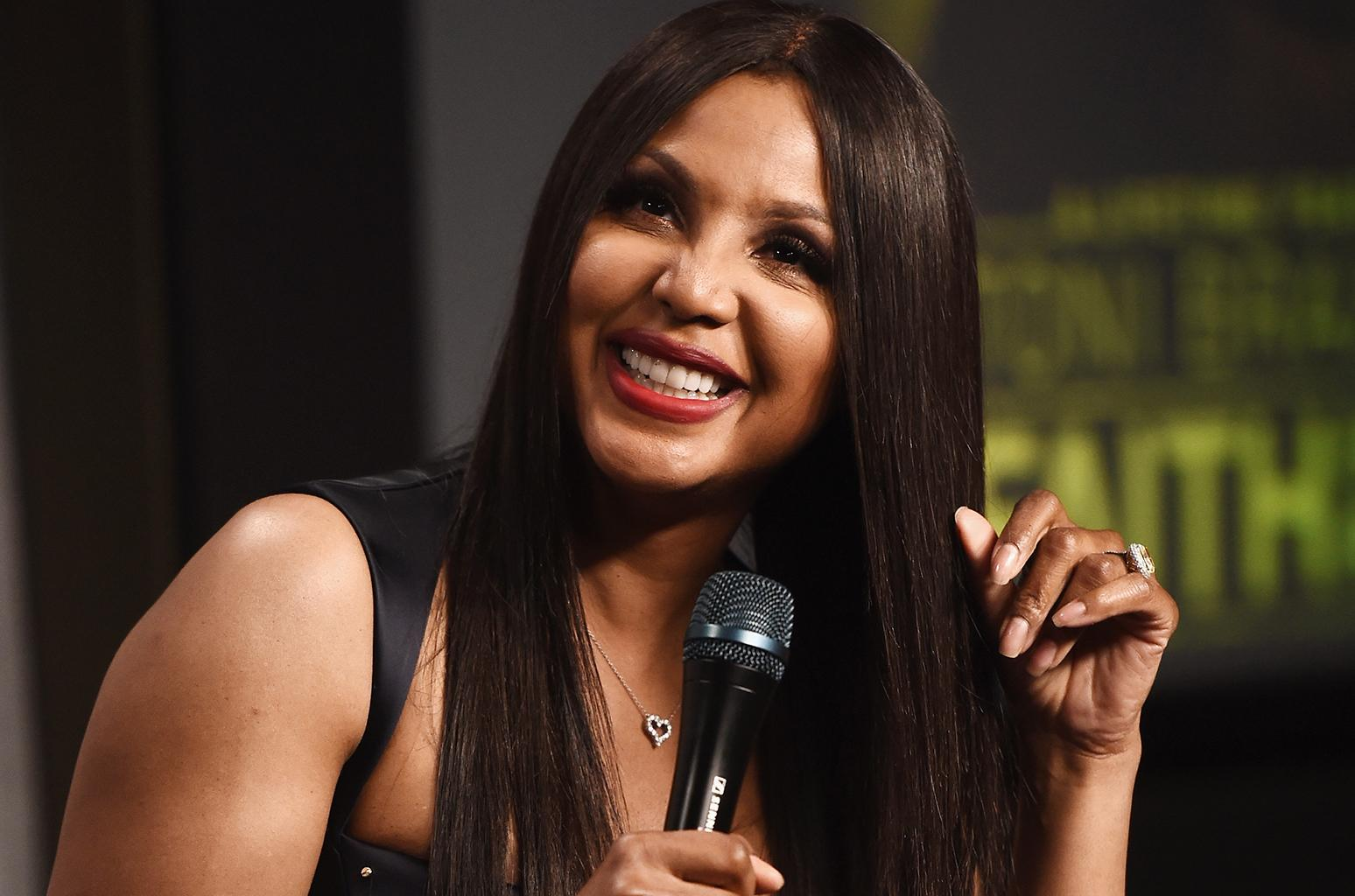 Toni Braxton Spends Some Quality Time With Her Mom And Boys At A Hemp Photoshoot