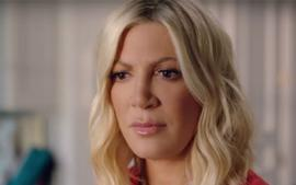 Tori Spelling Gets Emotional On Beverly Hills 90210 Reboot Set Calls Show A 'Do Over'