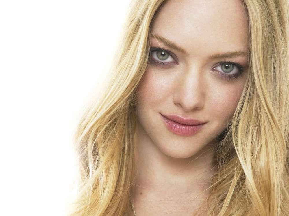 Amanda Seyfried Apologizes For Her 'Thin-Shaming' Controversy