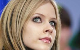 Avril Lavigne Under Attack From Christians On The Internet For The Release Of Her New Song
