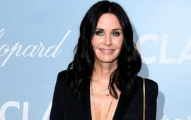 Courteney Cox Looks Stunning Wearing A Black Bathing Suit In Epic Video At The Pool!