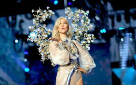 Karlie Kloss Reveals The Reason She Hung Up Her Victoria's Secret Angel Wings