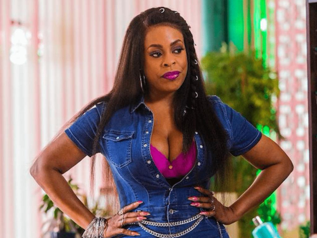 Niecy Nash Posts Untouched Swimsuit Photos And Apologizes To Her Body In Powerful Instagram Message
