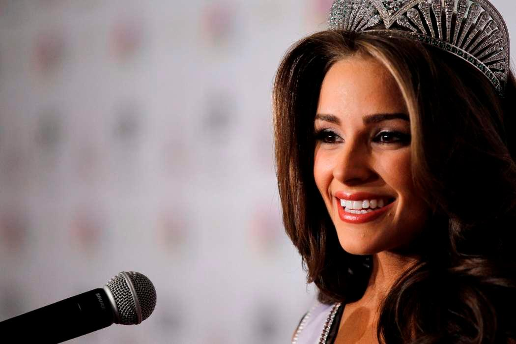 Olivia Culpo Gets Real On Social Media - Hopes To Show That Not All Is What It Seems Online