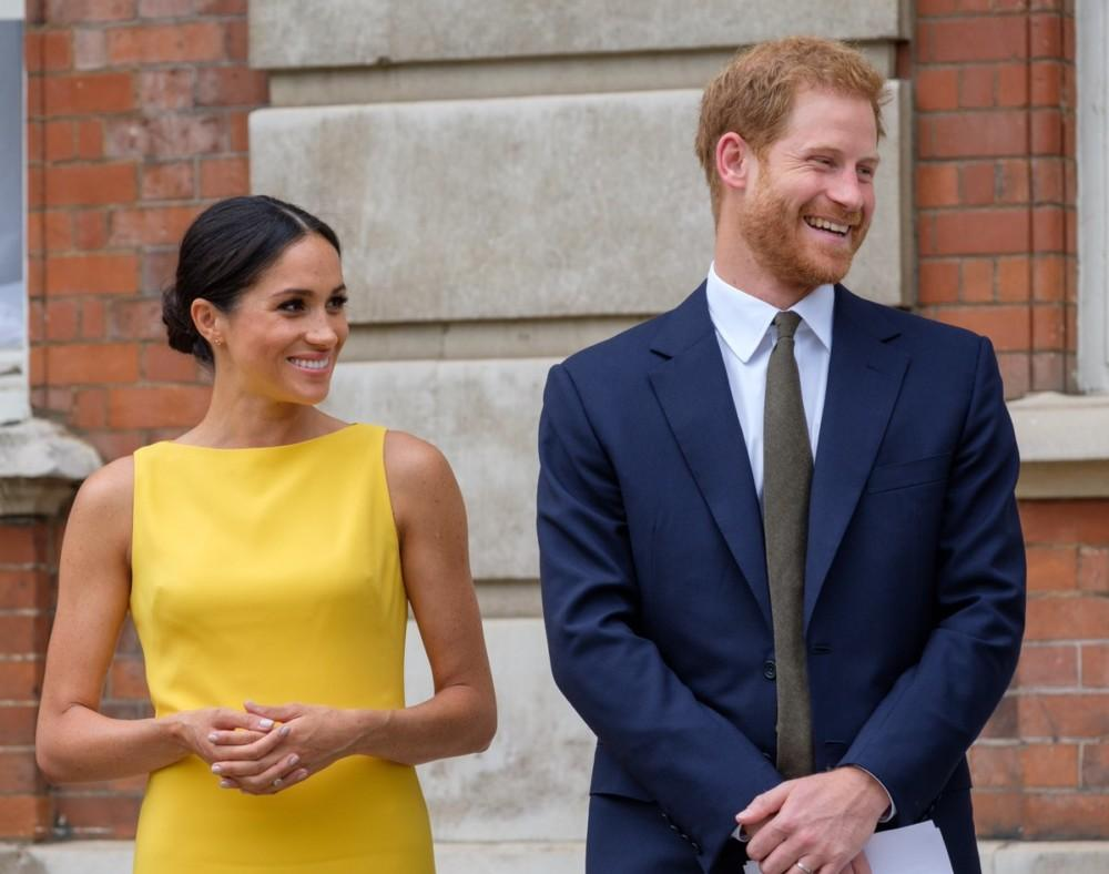 Meghan Markle And Prince Harry Reportedly Set Up Strict Rules - Neighbors Not Allowed To Talk To Them