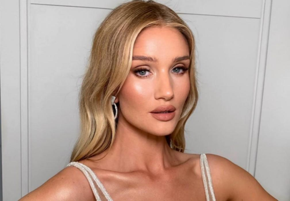 Rosie Huntington-Whiteley Glows In Versace At Hobbs & Shaw L.A. Premiere — Is Doing A Meet And Greet Sunday