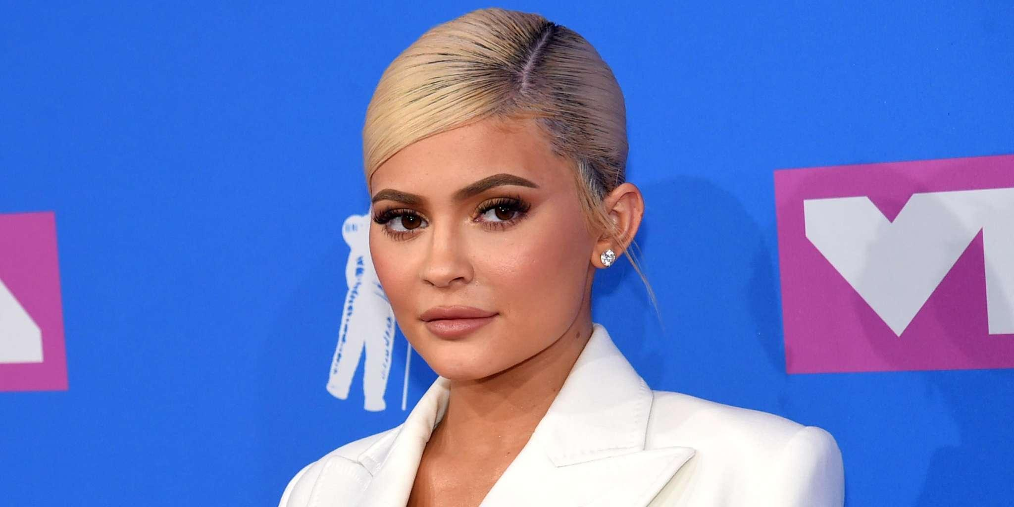 Kylie Jenner Posts Emotional Message - She Talks About Losing Friends And Herself