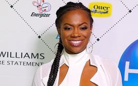 Kandi Burruss Has A Great Time With Dorinda Medley At Her Home - Watch The Video