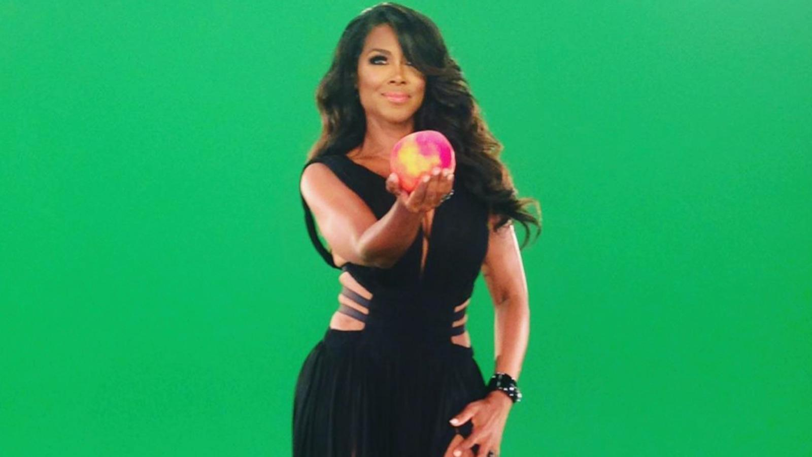 Kenya Moore's Fans Are Calling Her The 'Black Barbie'