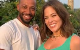Ashley Graham Praised For Baring Her Untouched Pregnant Body In Instagram Photo