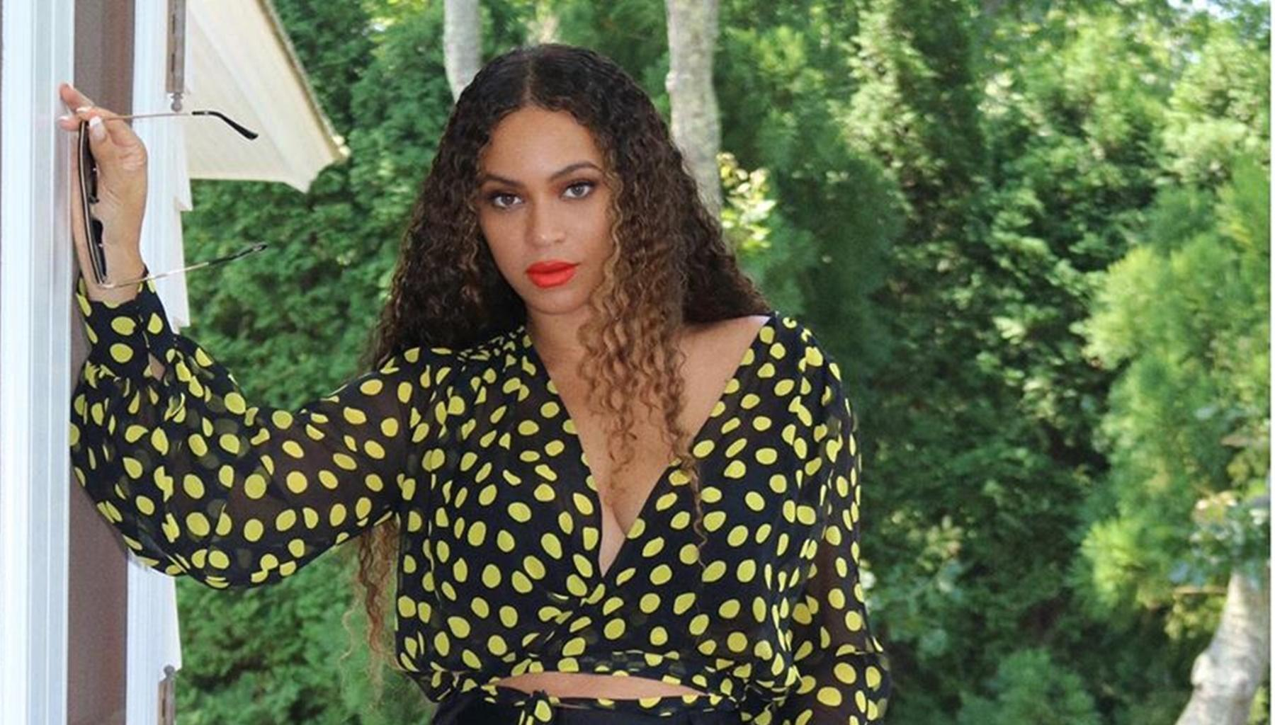 Beyonce Has Fans Ecstatic After Doing Something She Rarely Does On Social Media, Jay-Z's Wife Is Breaking All Her Rules
