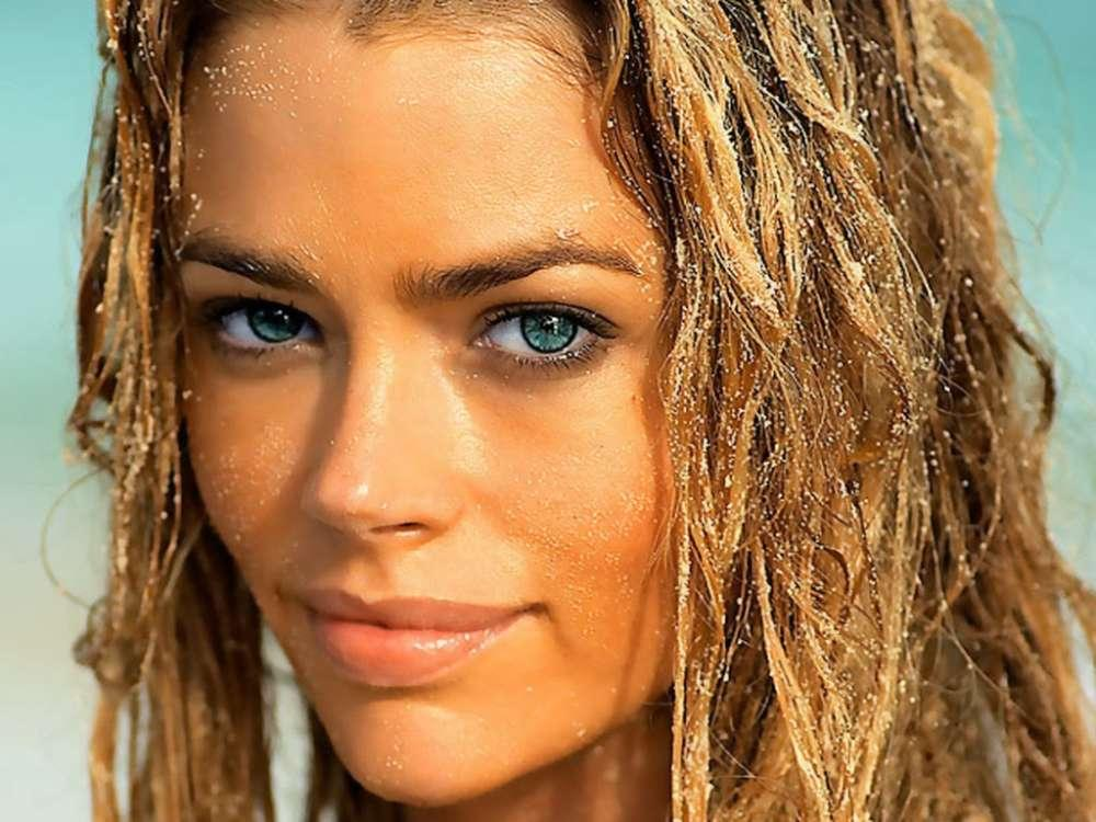 Denise Richards Tells Funny Story About Charlie Sheen Bringing An Escort To Thanksgiving Dinner - Her Father Was Shocked