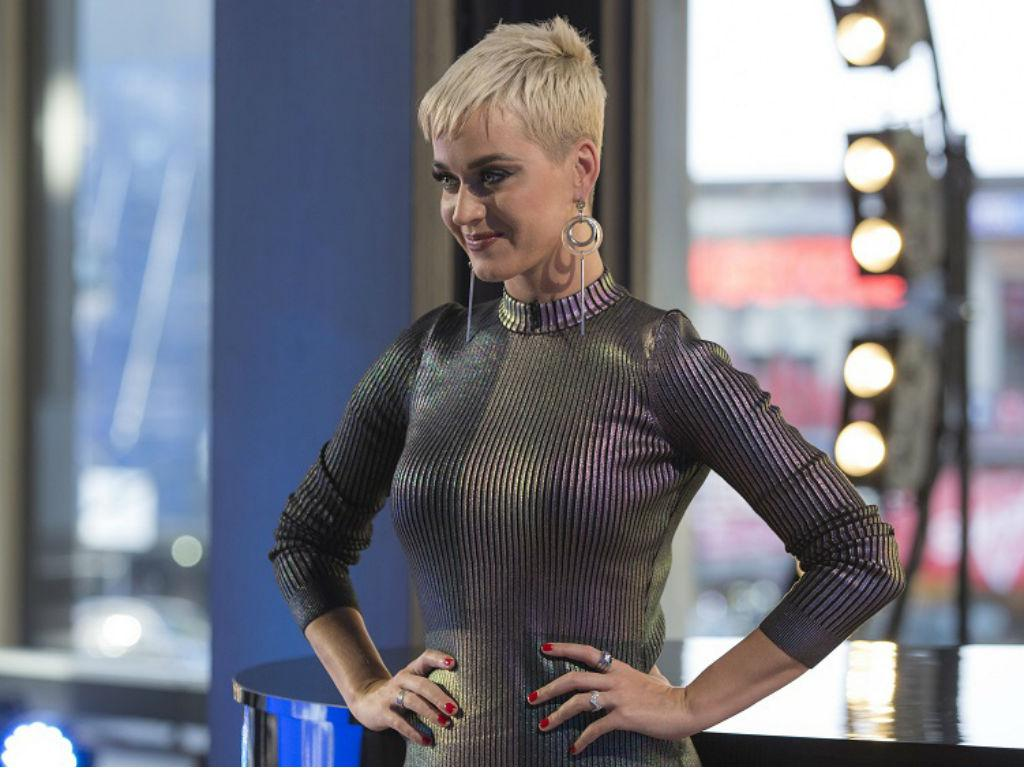 Katy Perry Loses Dark Horse Copyright Lawsuit Singer Forced To Pay Big Bucks