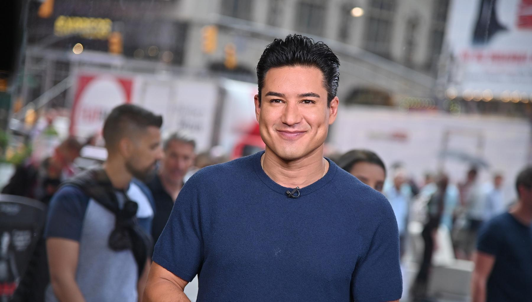 Mario Lopez Gets Some Support After Speaking Out Against Letting Young Children Choose Genders