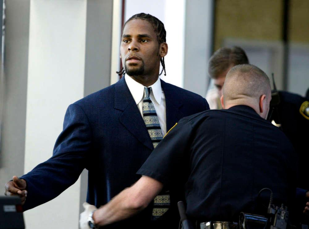 R. Kelly Seeks Out Infamous Michael Jackson Attorney And Is Supposedly Taking Donations From The Public To Pay For It