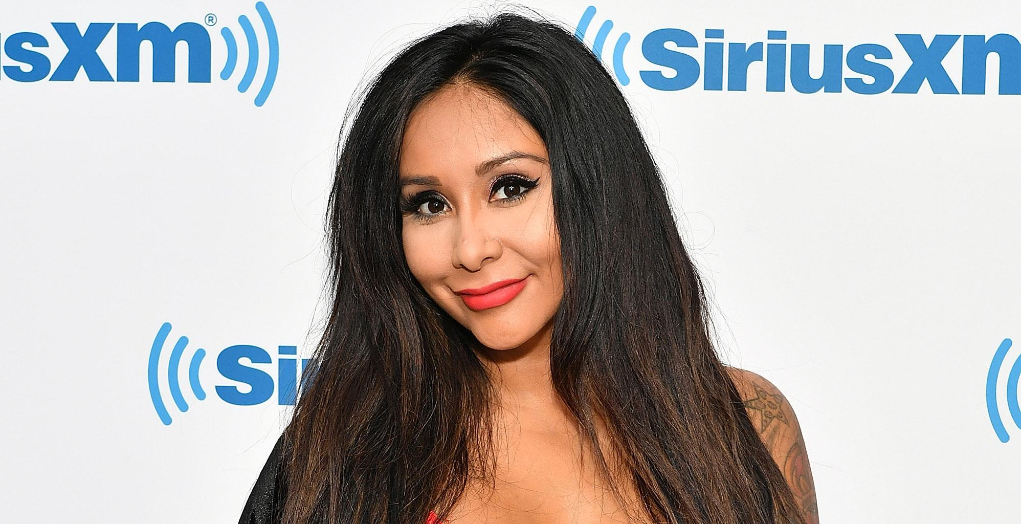 Snooki Filmed By Neighbor Storming Out Of The Jersey Shore House In The Middle Of Shooting After Freaking Out