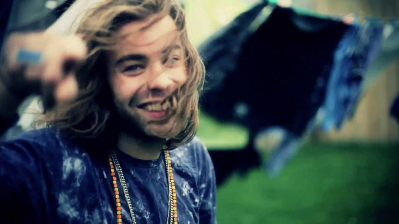 Mod Sun Is As Transparent As Can Be As He Confides In Fans About Struggling With Sobriety And Bella Thorne Breakup