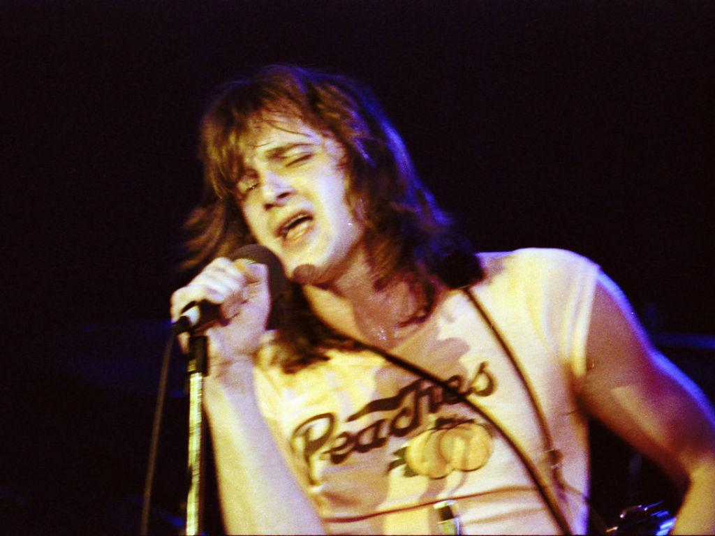 Rocker Eddie Money Dead At Age 70 Weeks After Revealing Esophageal Cancer Diagnosis