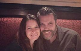 Charmed Alum Holly Marie Combs Is Married - Actress Wed Boyfriend Mike Ryan