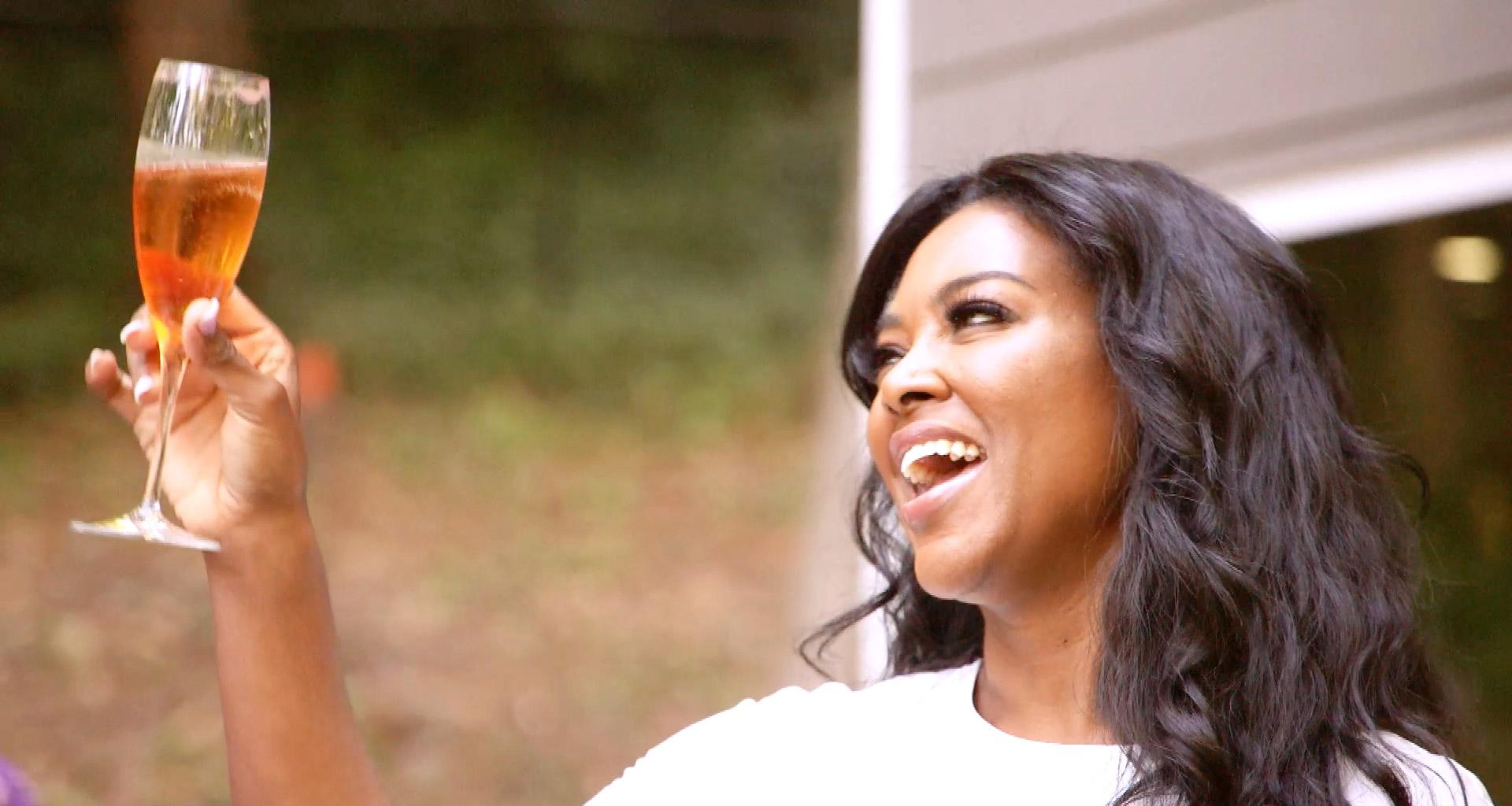 Kenya Moore Allegedly Broke Down While Filming RHOA Due To Marital Issues With Marc Daly -- 'Kenya Had A Meltdown'
