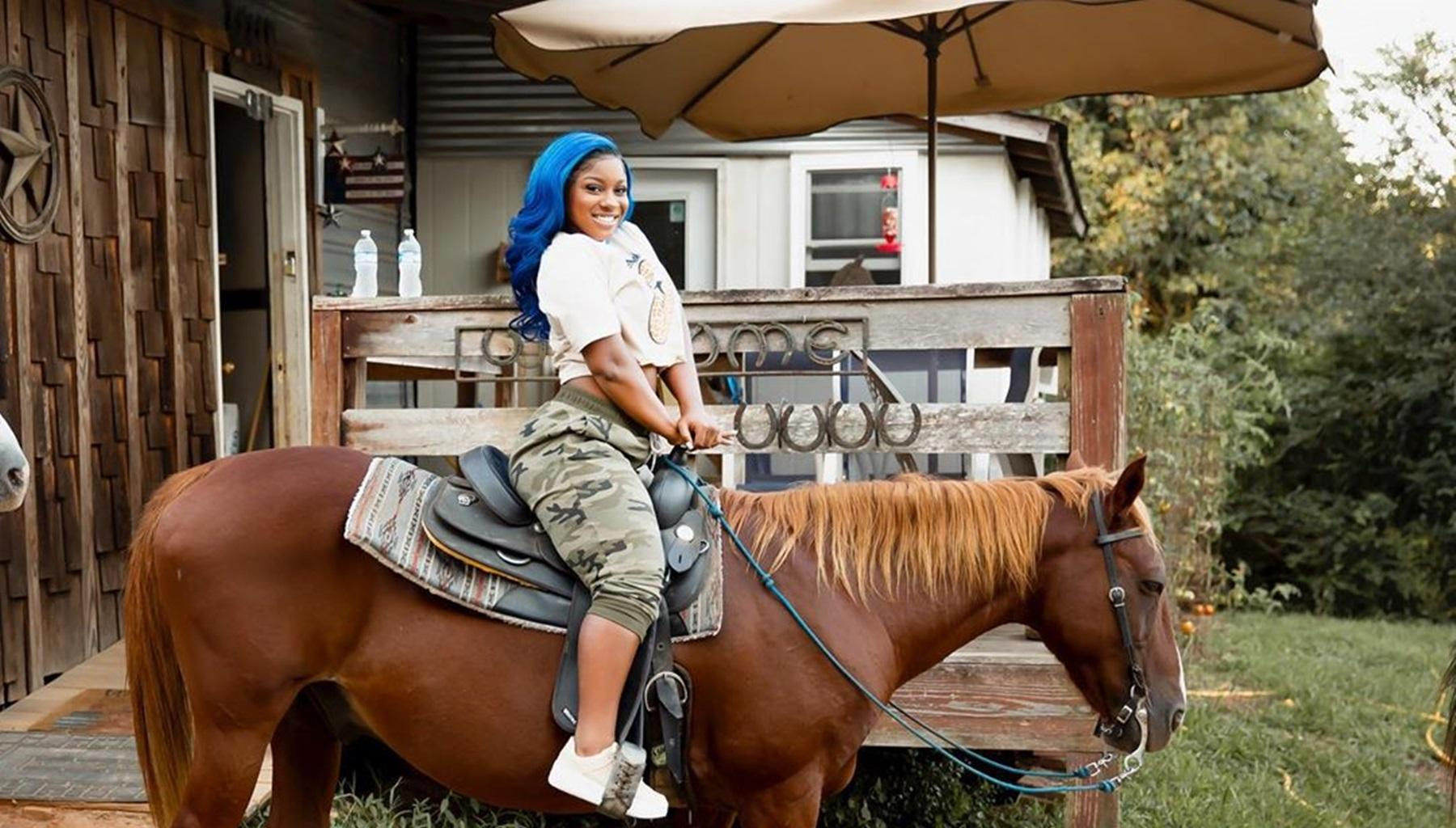 Megan Thee Stallion Towers Over Lil Wayne And Reginae Carter In New Picture -- Will She Inspire Toya Wright's Daughter To Join The Industry?