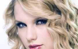 Taylor Swift's New Album Lover Accounted For 27% Of All US Record Sales This Past Week