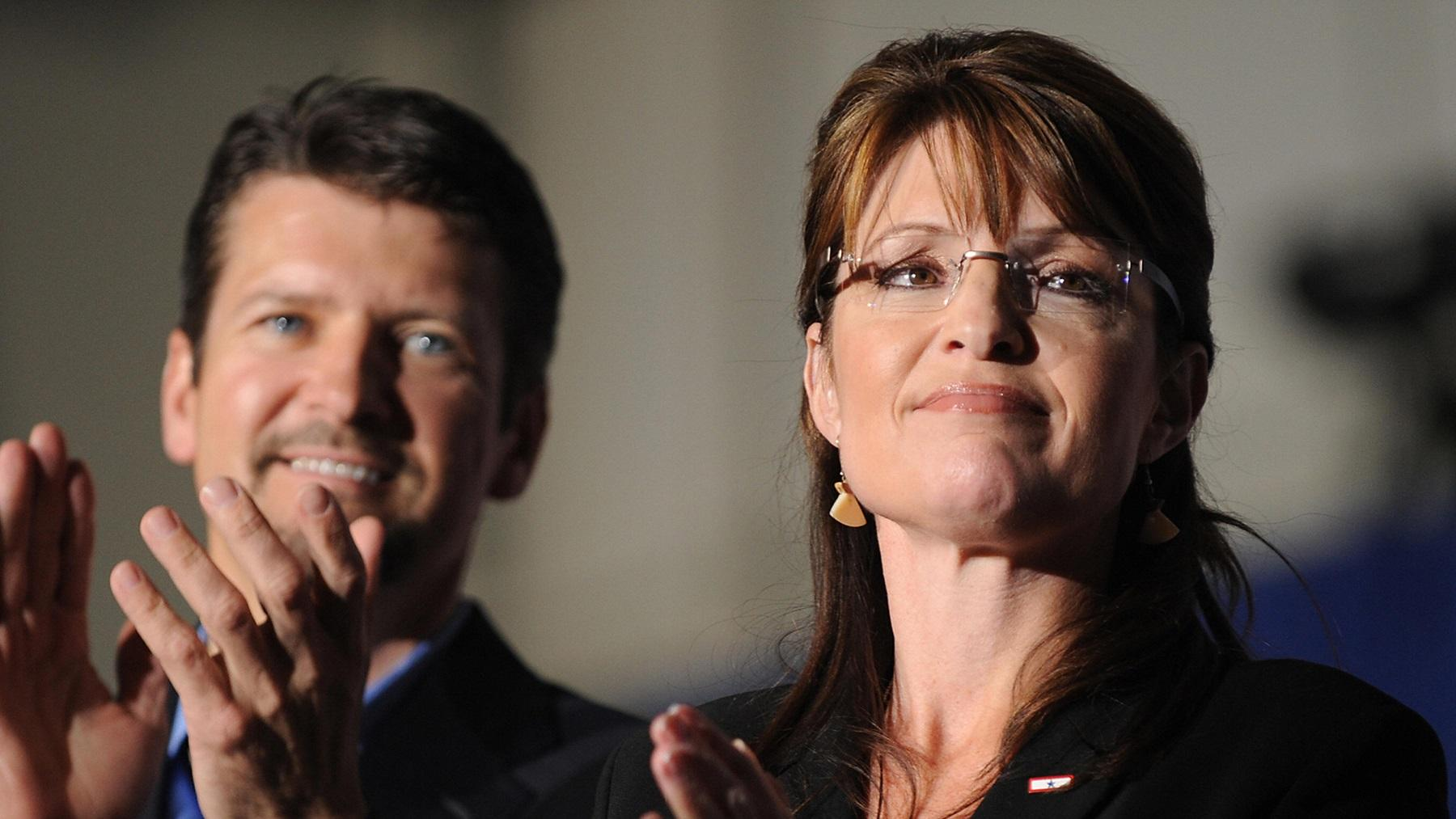 Sarah And Todd Palin's Divorce Announcement Gets An Odd Comment From Their Ex Son-In-Law, Dakota Meyer