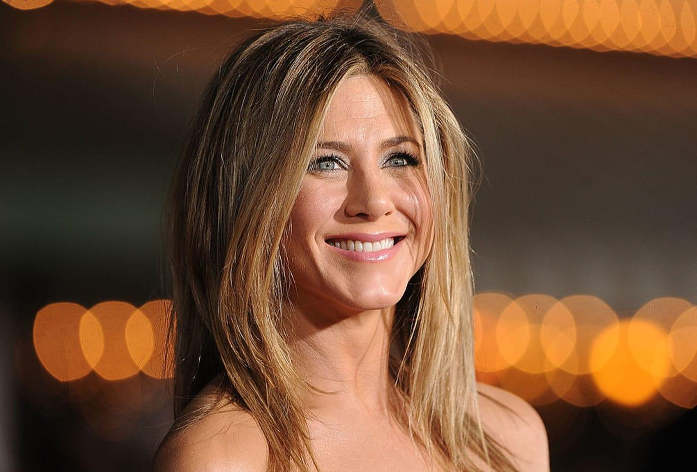 Jennifer Aniston Was Told To Drop 30 Pounds Before Starring In Friends, Book Reveals