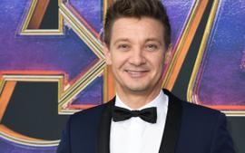 Jeremy Renner And His Former Wife File For Sole Custody Of Their 6-Year-Old Daughter At The Same Time!