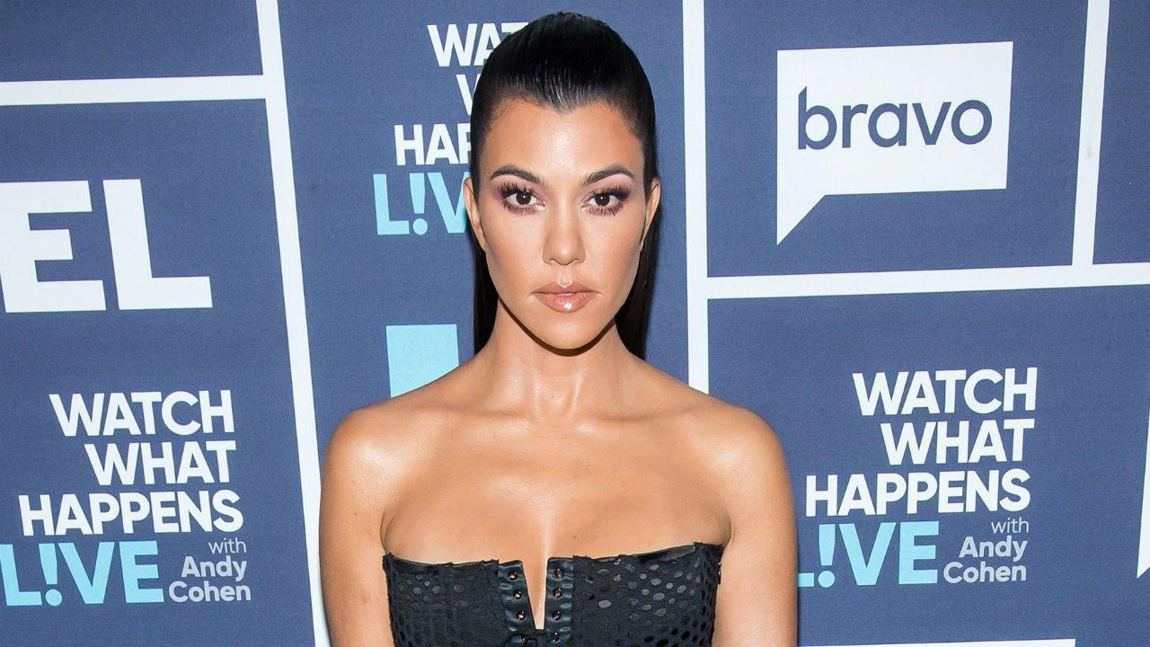 KUWK: Kourtney Kardashian Fires Back At Haters Suggesting She's 'Never Read a Book!'