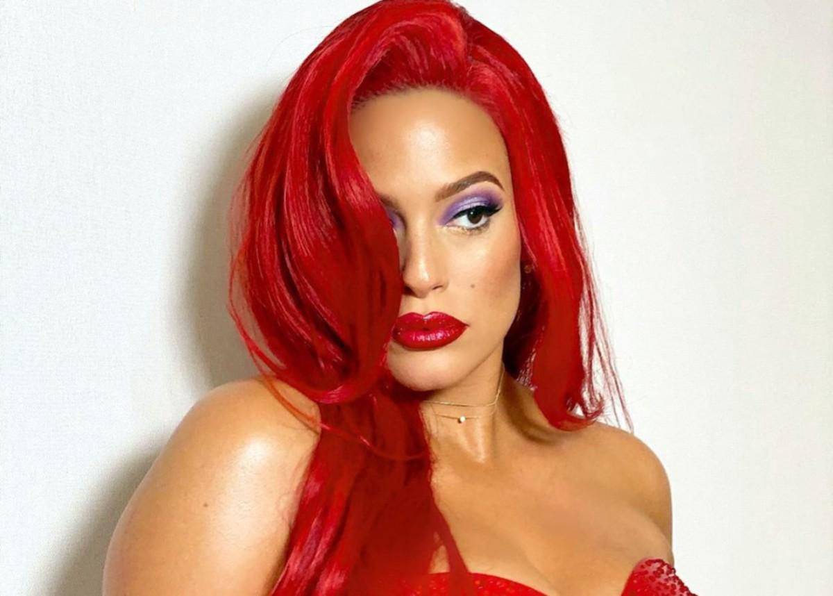 Ashley Graham Stuns As Jessica Rabbit For Halloween — Supermodel And Instagram Star Is Pregnant