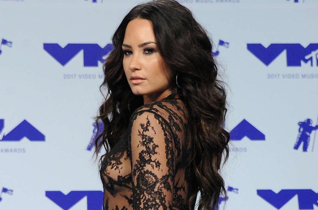 Demi Lovato Ends Instagram Hiatus By Posting New Cryptic Photo