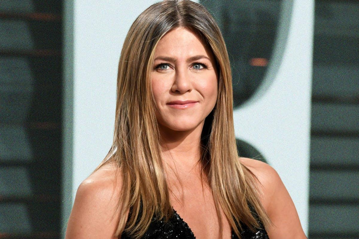 Jennifer Aniston Says She 'Hates' When Her Friends Set Her Up On Dates!