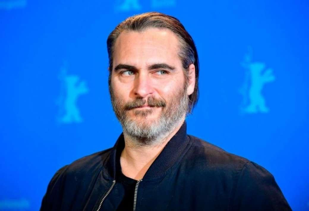 Joaquin Phoenix Reportedly Drove Into The Back Of An Emergency Vehicle