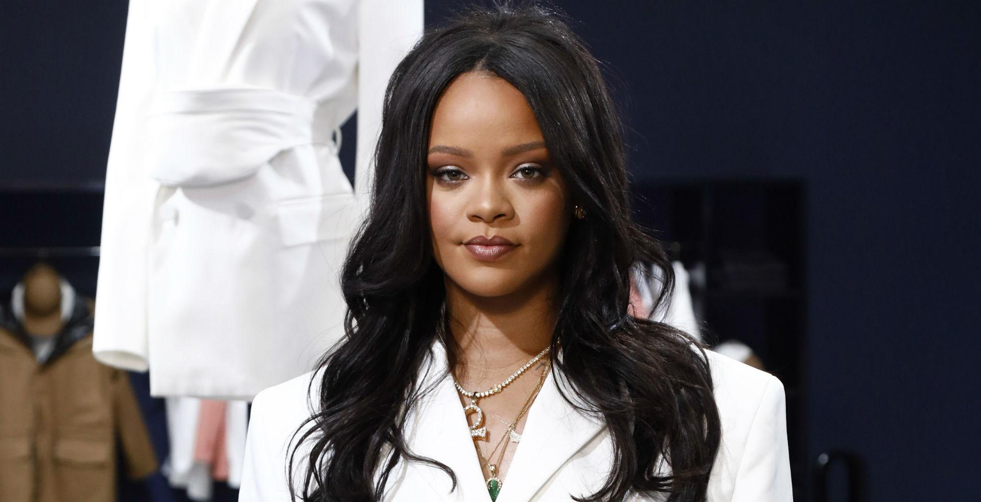 Rihanna Impresses Fans With A Video In Which She's Showing Off Her Jaw-Dropping Beach Body