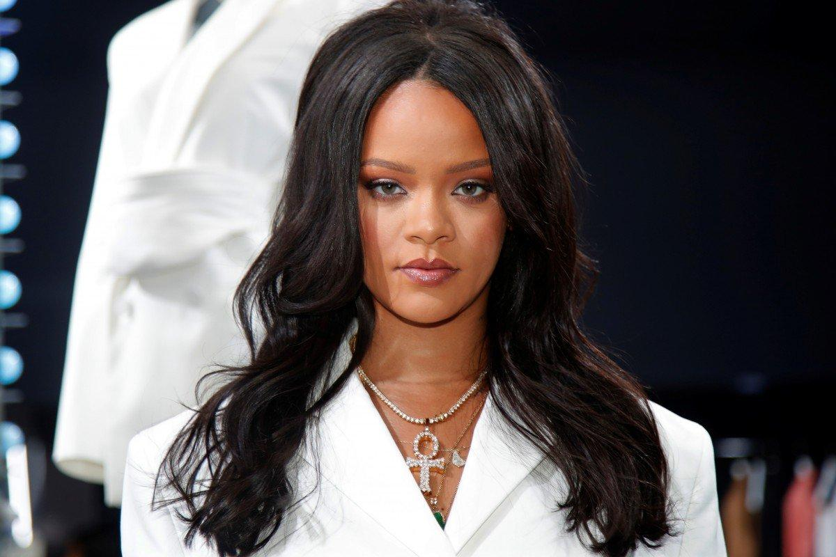 Rihanna Defends Vogue's Anna Wintour After Backlash Over Pregnancy Question - She Admits It's Her 'Dream' To Be A Mom