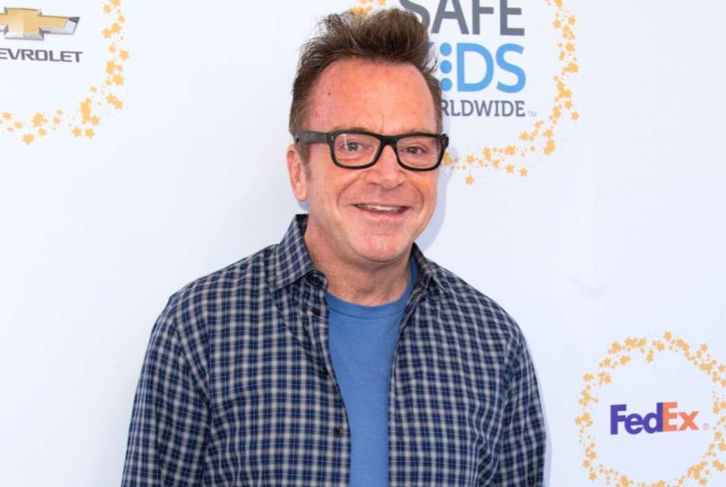 Tom Arnold Accused Of Anti-Black Racism Due To Joke During Speech
