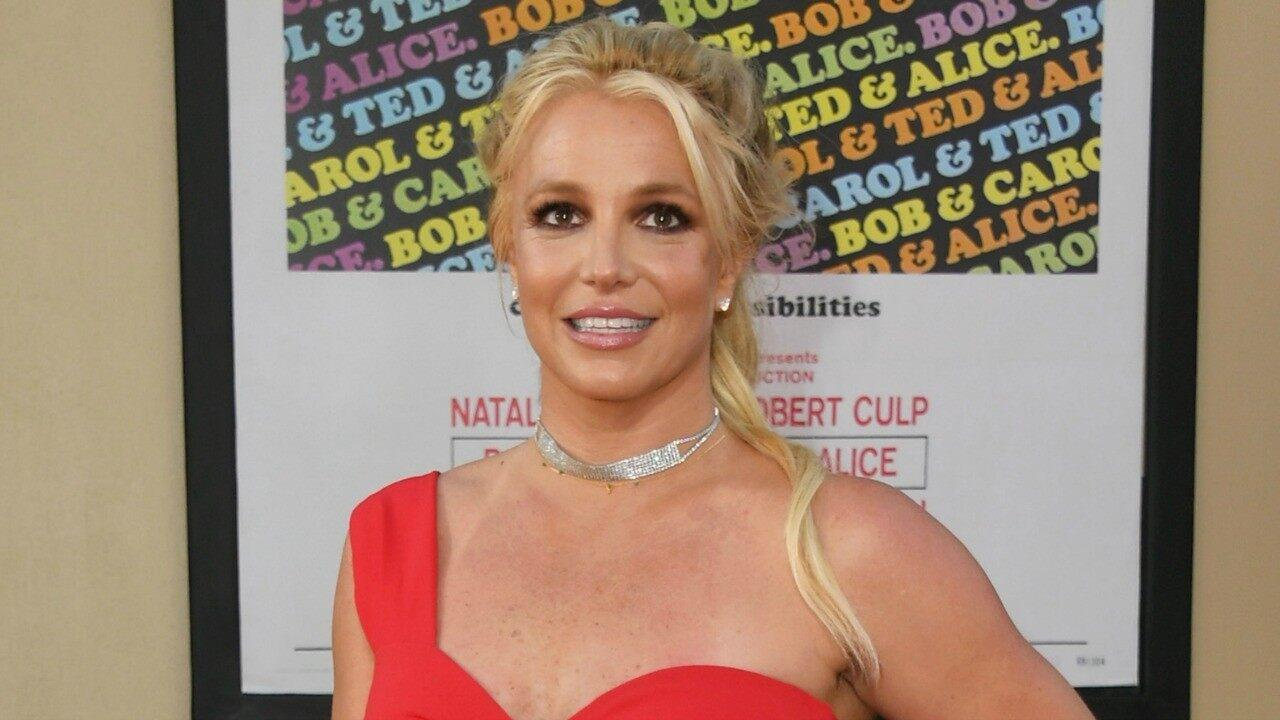 Britney Spears Is Back To Her Iconic Blonde Hair - Check Out The Clip!