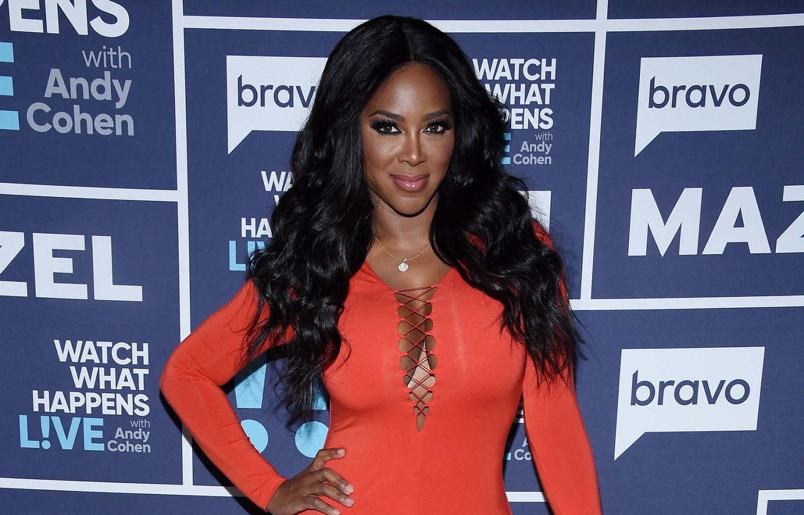 Kenya Moore Makes Fans' Hearts Skip A Beat With This Look