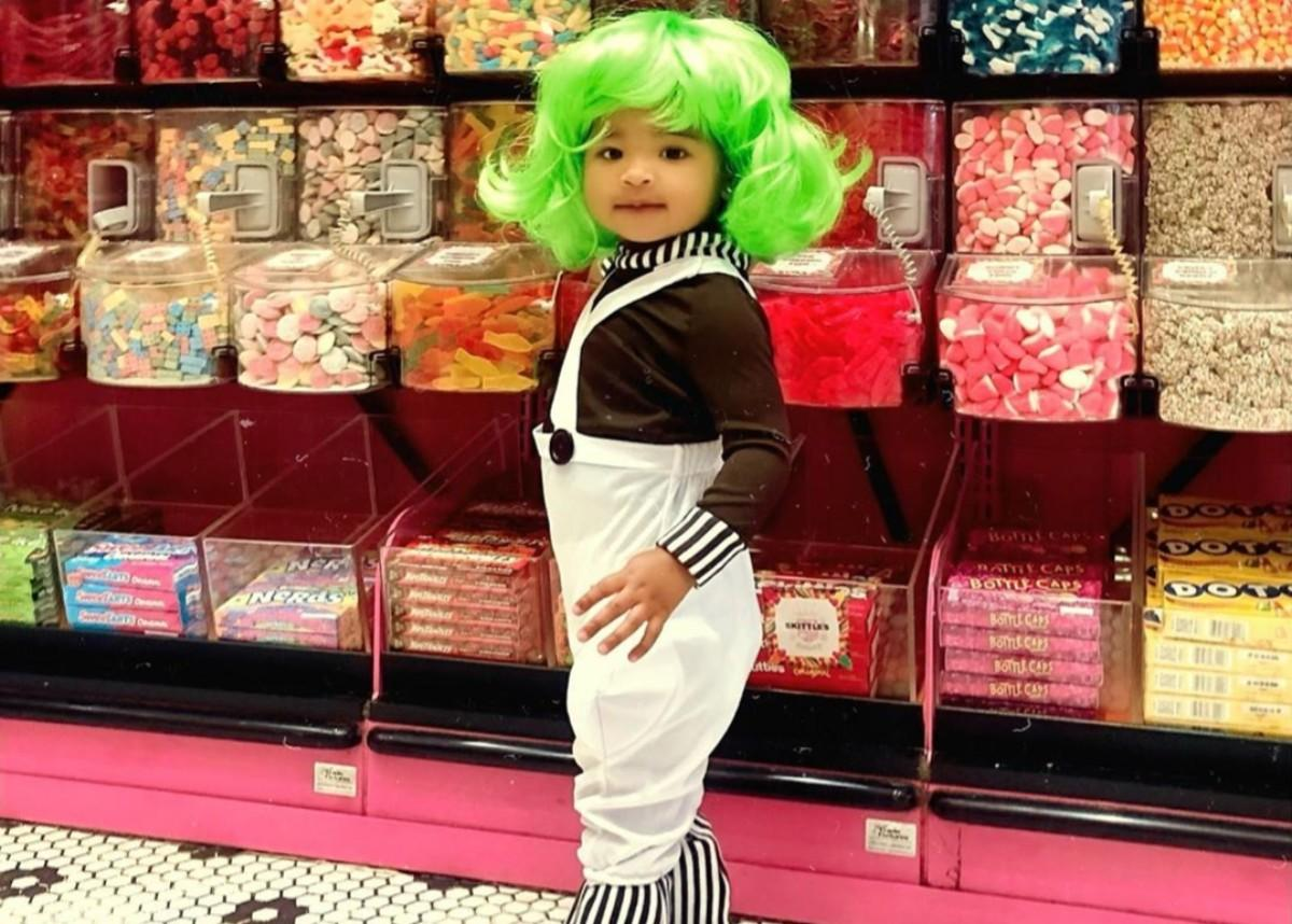 Khloe Kardashian Dresses True Thompson As An Oompa Loompa And Takes Her To A Candy Store For Halloween