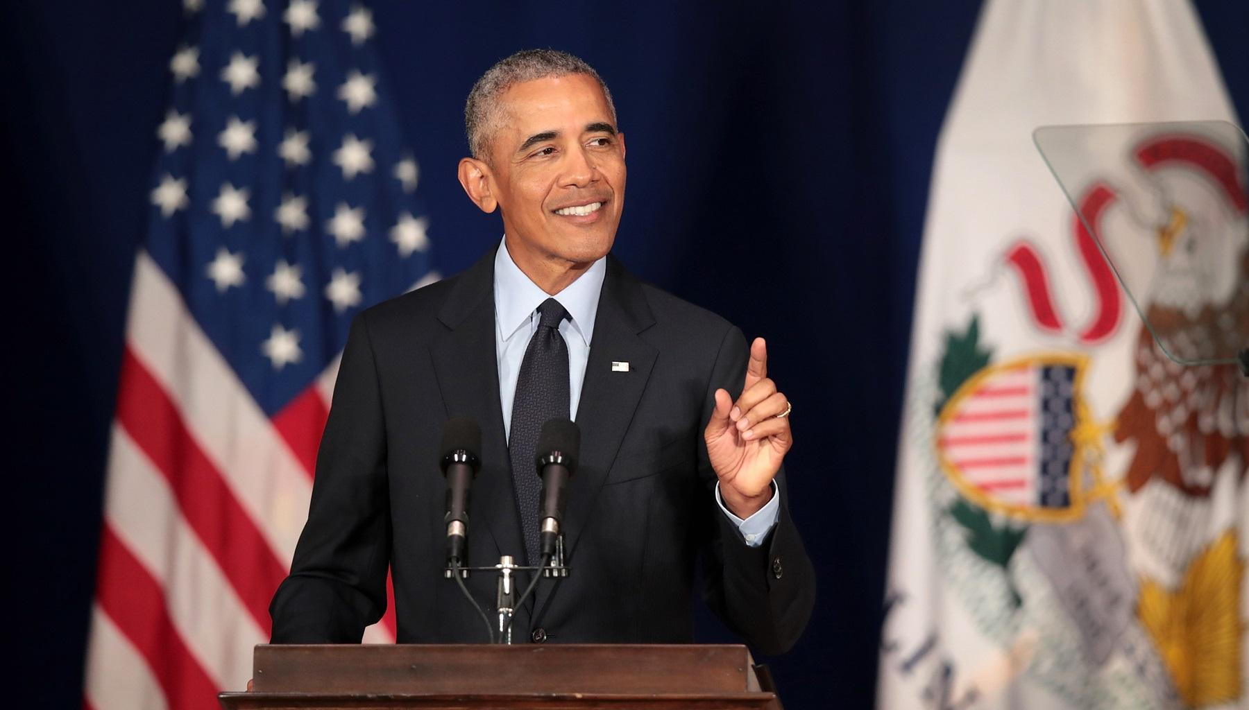 Barack Obama Warns Bernie Sanders And Elizabeth Warren About Doing This -- Will The Senators Listen To The Former President?