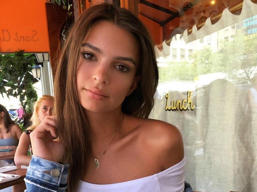 Emily Ratajkowski Has A 'Complicated Relationship' With Being Sexy – Here's Why