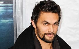 New Video Showing Jason Momoa Feeding A Bear A Cookie With His Mouth Surfaces